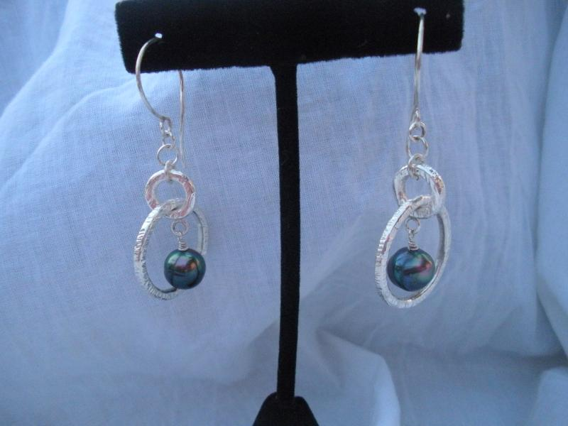 Tahitain Pearl Earrings with Pure silver.